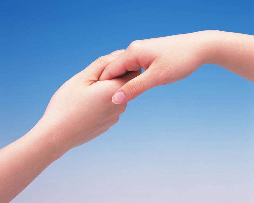 东方人,手,两个人,伙伴,朋友,握手,横图,俯视,室内,白天,友谊,亚洲