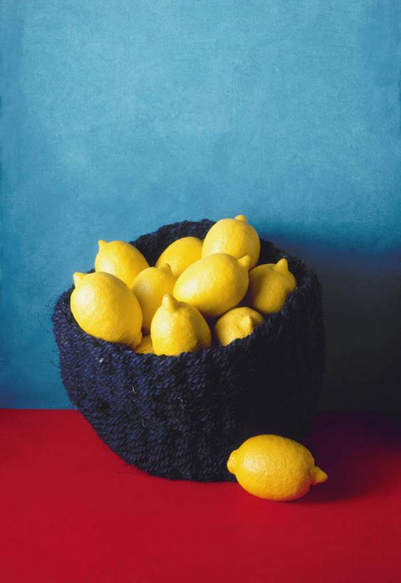 竖图,俯视,留白,柠檬,静物,许多,蓝色背景,篮子,很多,饮食,摄影,清新