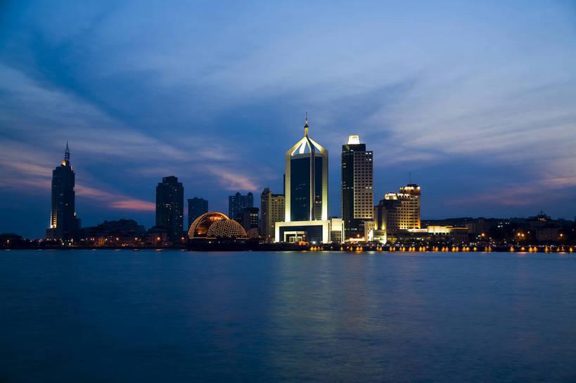 高楼大厦,横图,室外,夜晚,城市,建筑,摩天大楼,霓虹灯,照明,青岛,中国
